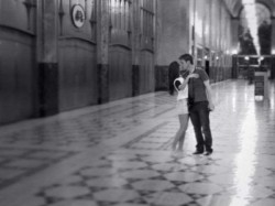 In Pic Ileana Dcruz Kisses Andrew Kneebone