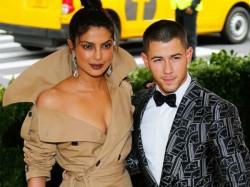Priyanka Chopra And Nick Jonas Dating
