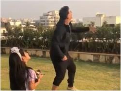 Akshay Kumar His Daughter Fly Kites On Makar Sankranti