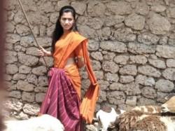 Kannada Actor Rashmika Mandanna Tamil Movie Look Revealed