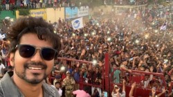 Thalapathy Vijay S Neyveli Selfie With Fans Become Most Retweeted Photo