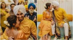 Neha Kakkar And Rohan Preet Singh S Haldi And Mehandi Ceremony Photos Viral In Social Media